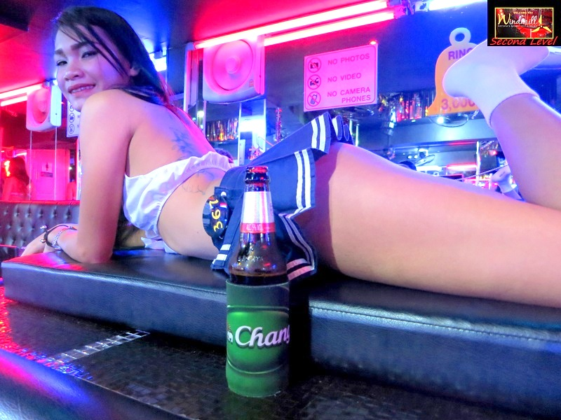 Lady drinks in Pattaya Ago-go ripoff