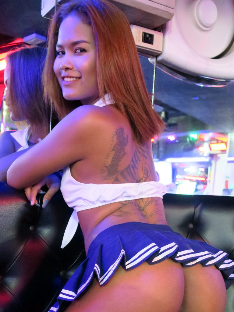 Cyber Dating Beautiful Thai Girls